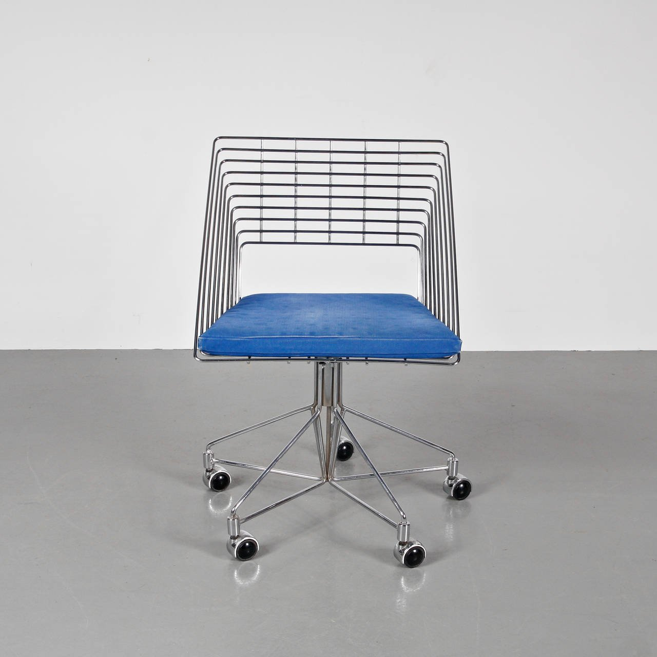 Chrome Wire Chair For Fritz Hansen   Galerie Gaudium