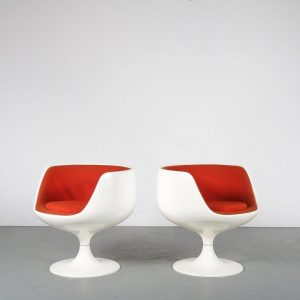 """m24211 1960s Set of two original """"Cognac chairs"""" in white fiberglass with red fabric upholstery Eero Aarnio Asko / Finland"""